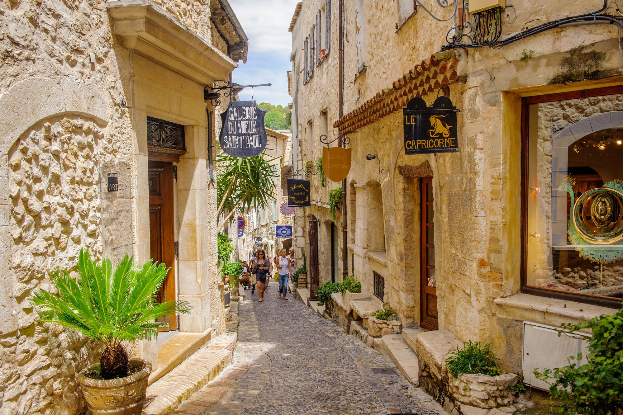 Saint paul de vence the must see attractions cap taillat campsite ramatuelle - Office de tourisme de saint paul de vence ...